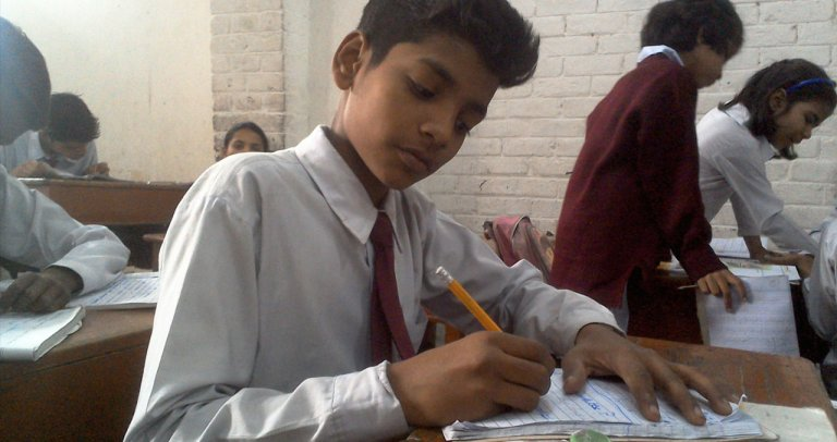 Regaining School Dropouts in the suburbs of Lahore (Pakistan)